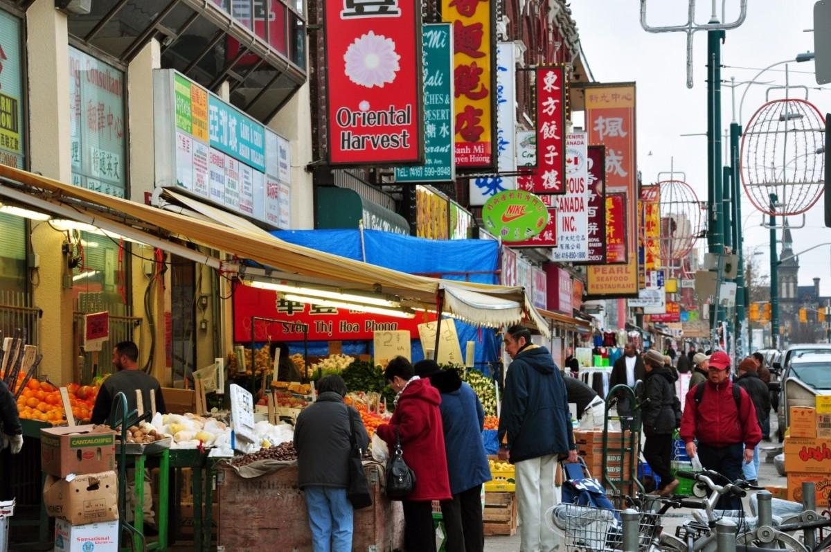 toronto-ogrenci-hayati-china-town